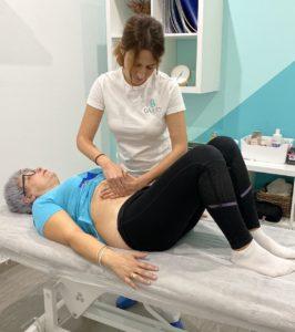 tratamiento osteopatía con una paciente