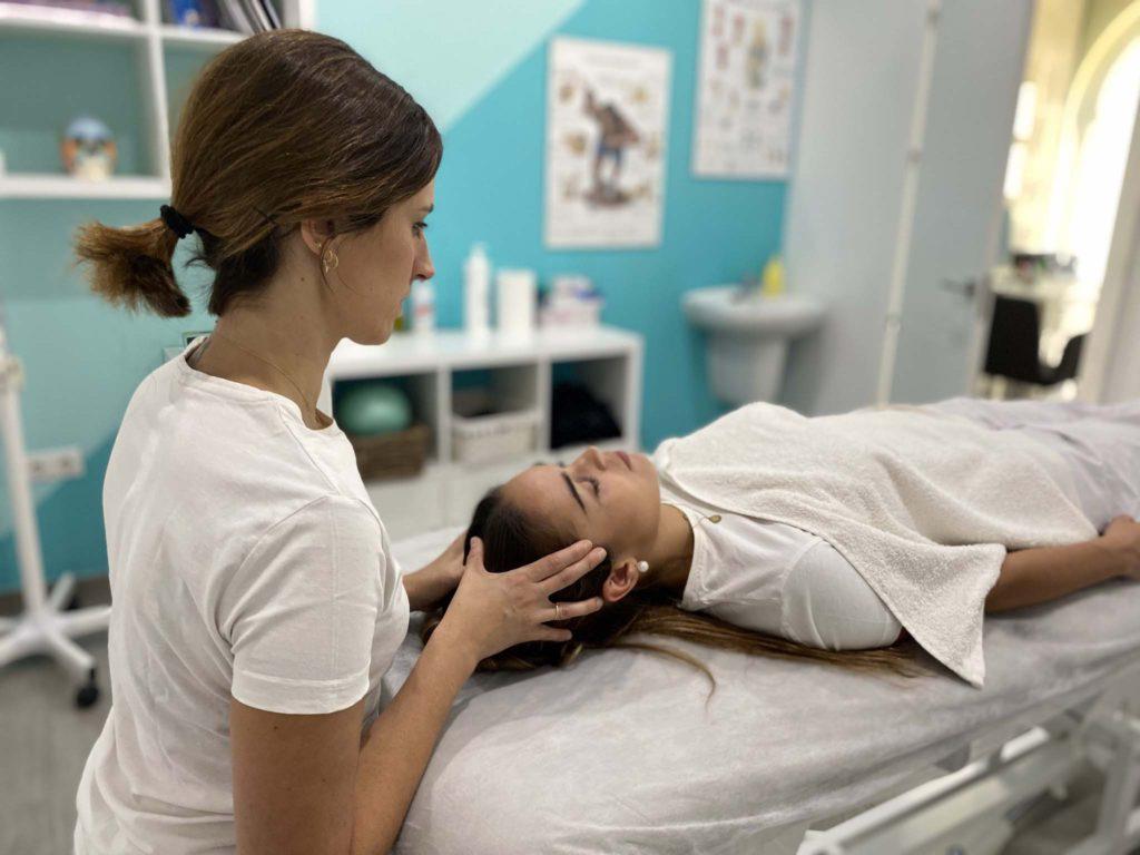 terapia cráneo sacral aplicad a paciente