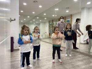 clase de Yoga infantil impartida por Noelia