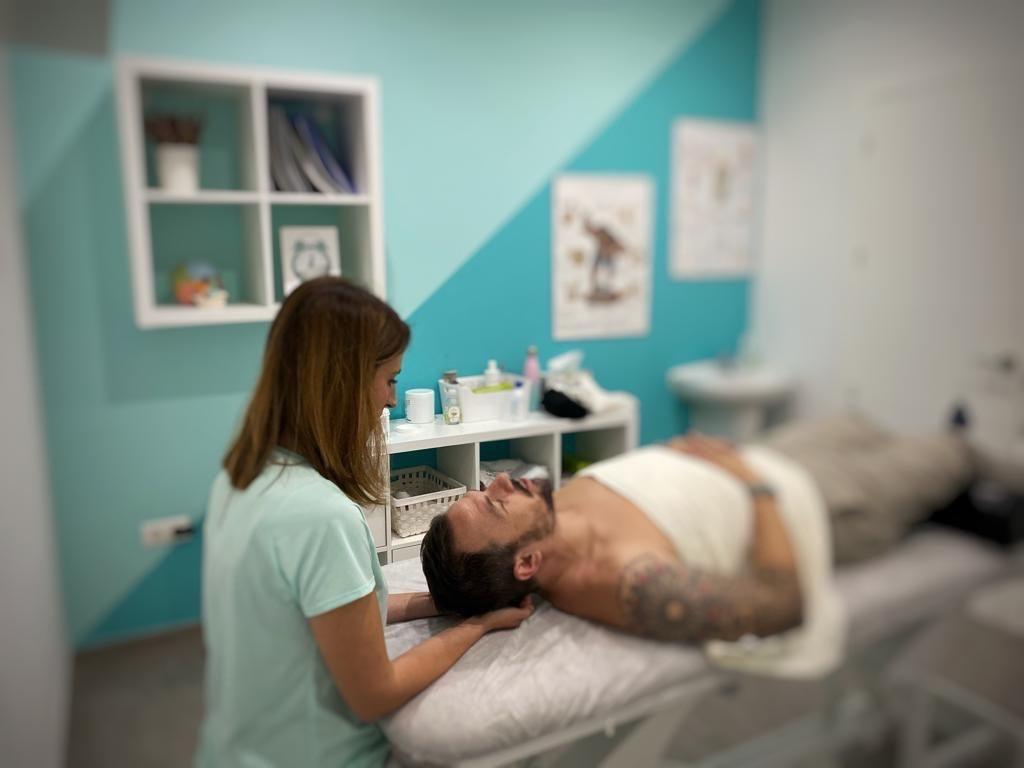 Paciente con tratamiento osteopatico